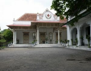 things to do in Yogyakarta & Yogyakarta places of interest kraton palace