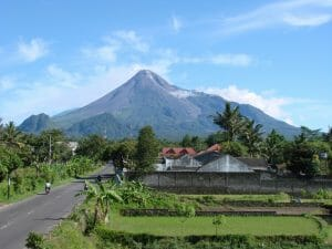 Borobudur Temple Tour Package and Mount Merapi for Singapore merapi