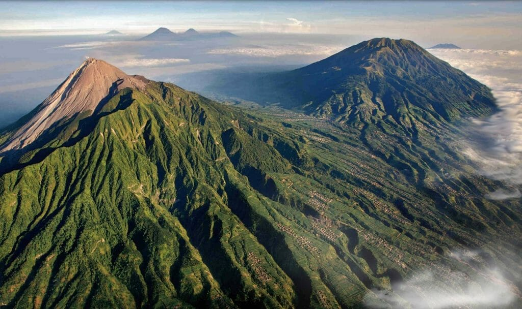 Top 11 natural attractions in Yogyakarta 1. Climb an active volcano at Mount Merapi-min
